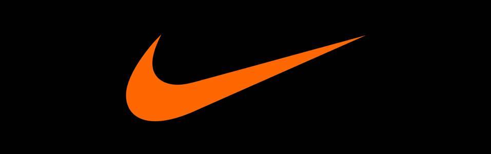 Nike lanza su pack de botines en blanco y negro